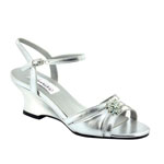 Dyeables Womens Cassie Silver Metallic Metalllic Sandals Prom and Evening Shoes