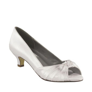 Dyeables Womens Becky White Satin Pumps Wedding Shoes