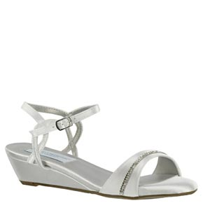 Dyeables Womens Mallory White Satin Sandals Wedding Shoes