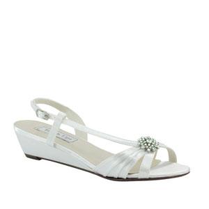 Touch Ups Womens Geri White Satin Sandals Wedding Shoes